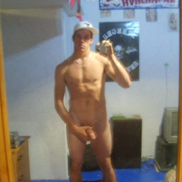 Sexy Naked Twinks Enjoy Exposing Hottie Body